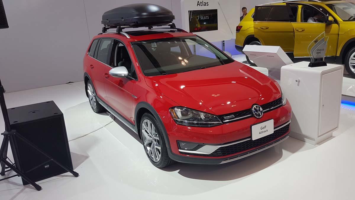 Volkswagen Golf Alltrack AJAC Toronto 2017 (7)