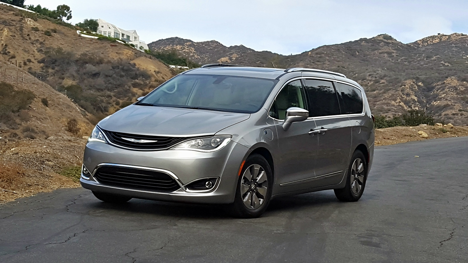 chrysler-pacifica-hybride-2017-28