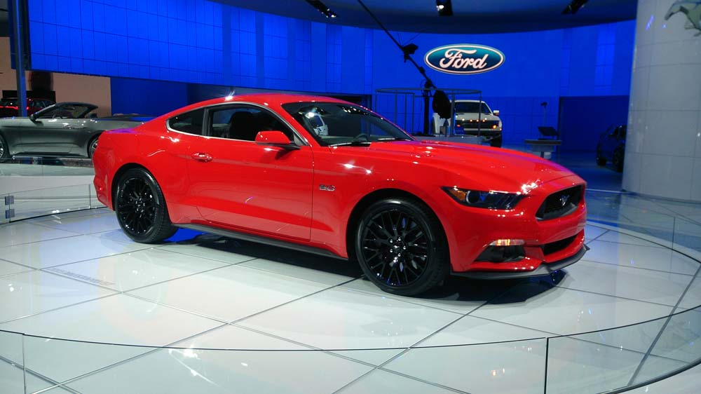ford mustang 2015 d troit le moteur ecoboost confirm ecolo auto. Black Bedroom Furniture Sets. Home Design Ideas