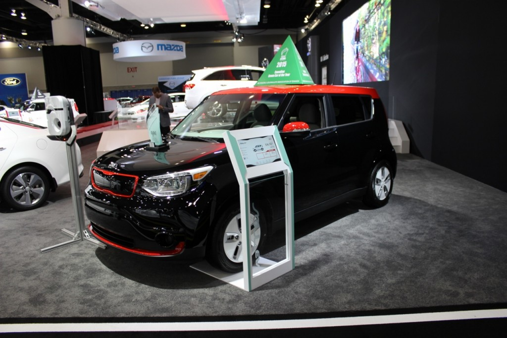 kia soul ev 2015 voiture verte canadienne de l 39 ann e. Black Bedroom Furniture Sets. Home Design Ideas