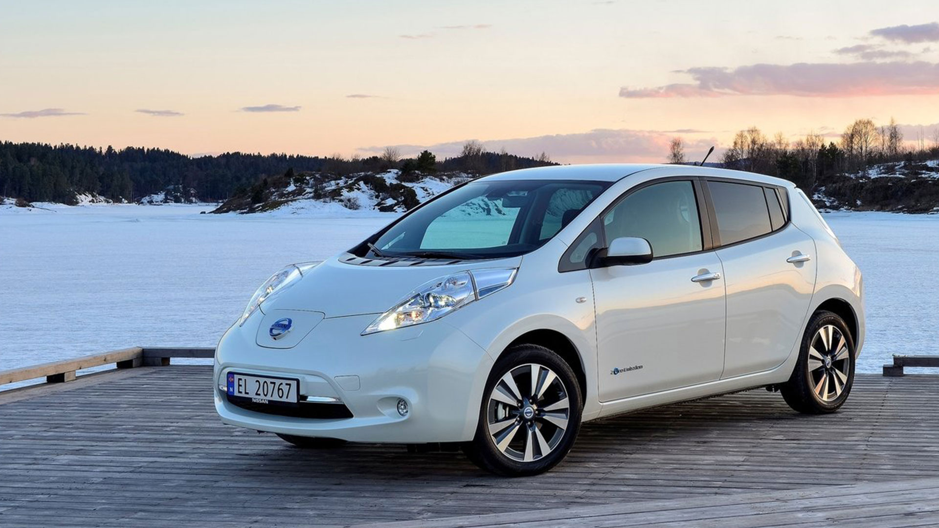 une nissan leaf ii en 2016 ecolo auto. Black Bedroom Furniture Sets. Home Design Ideas
