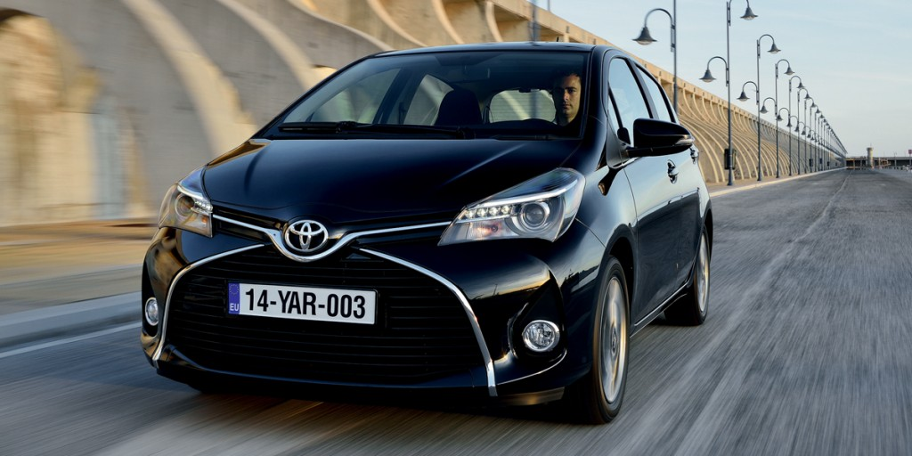 La toyota yaris 2015 officiellement d voil e ecolo auto for Interieur yaris 2015