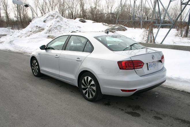 Volkswagen-Jetta-Hybride-2013