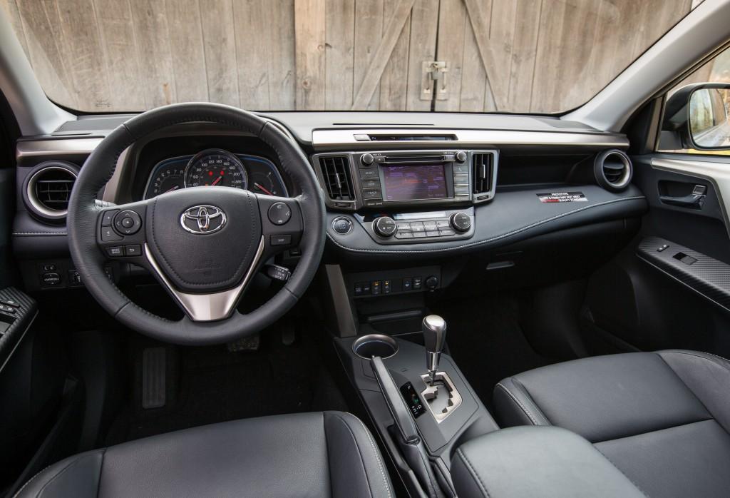 2013_Toyota_RAV4-18