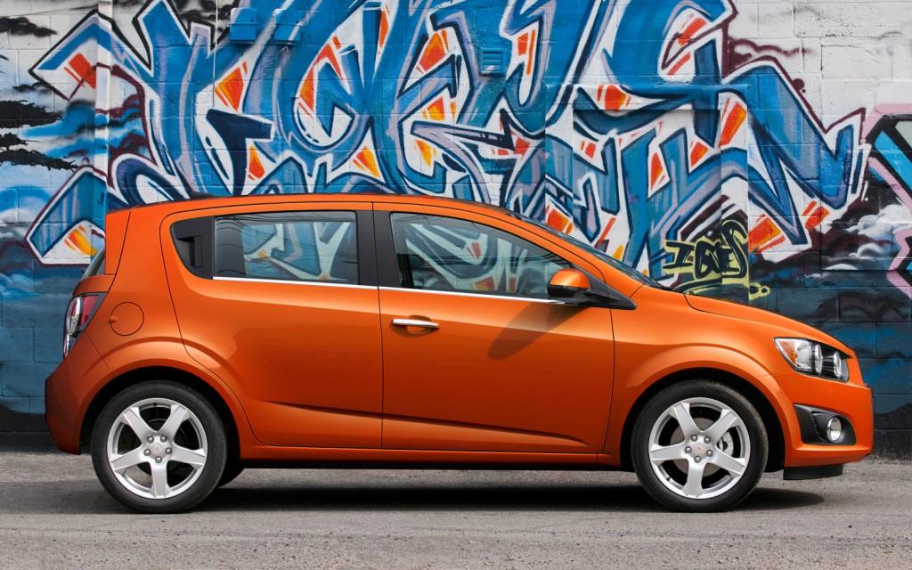2013-Chevrolet-Sonic-LTZ-hatchback-profile-1024x640