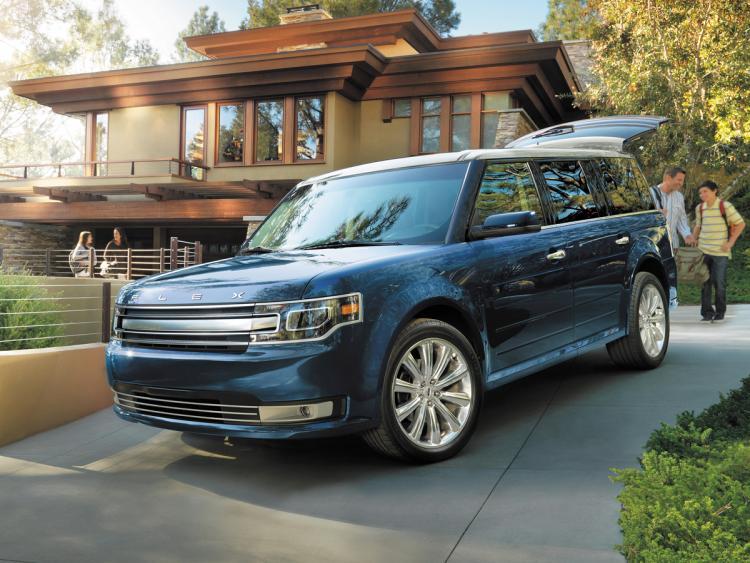 2016-ford-flex-limited-blue-front-quarter-left