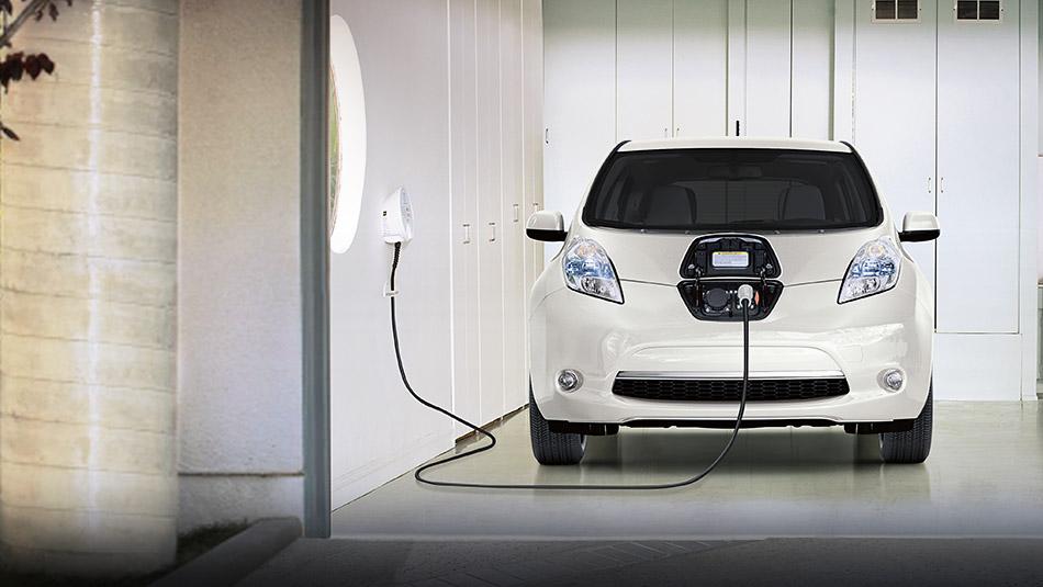 2016-nissan-leaf-charging-station