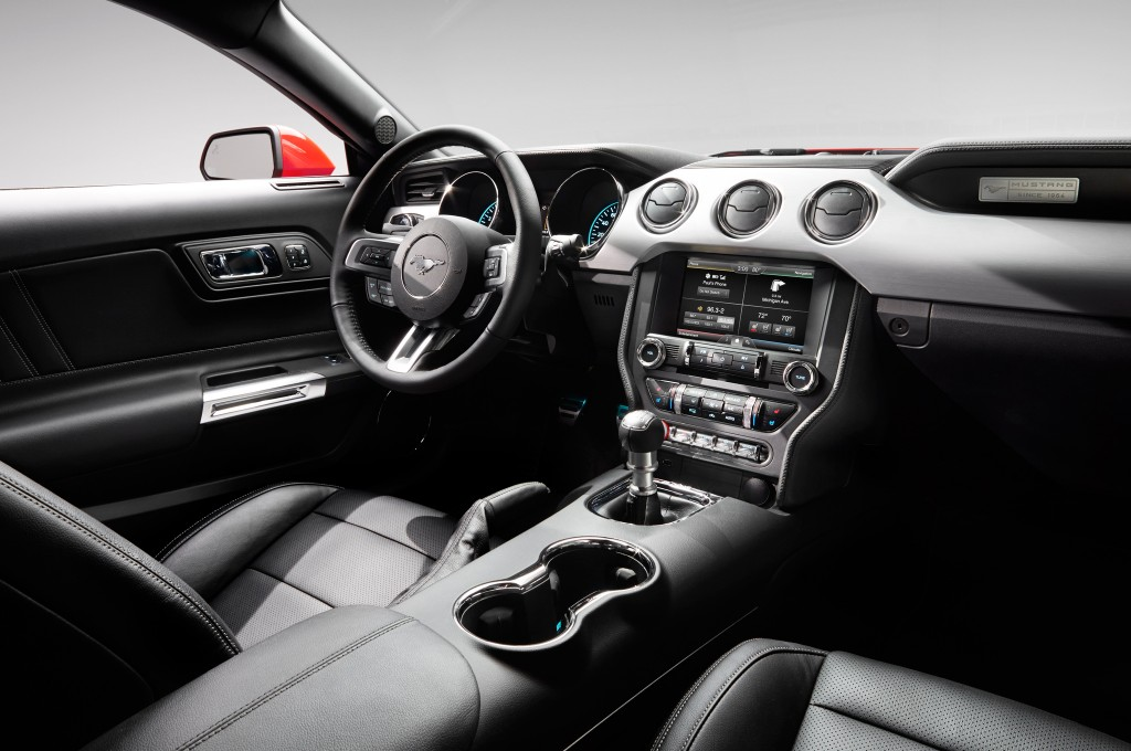 Ford Mustang 2015 interieur