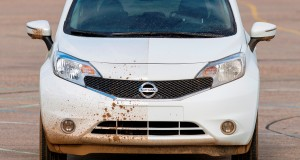 Nissan peinture propre
