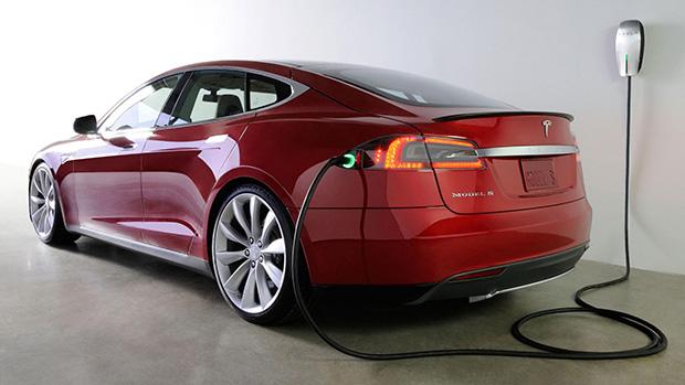 Tesla-Model-S-2014
