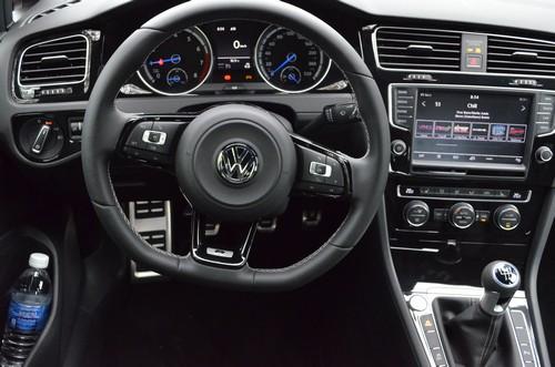 VW Golf R 1