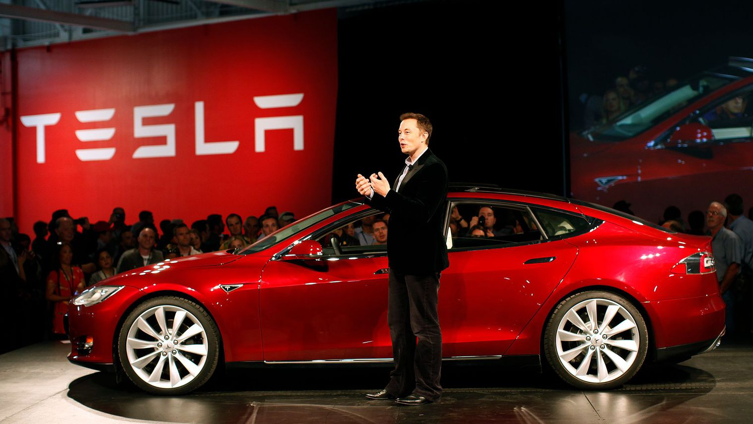 tesla-motors-ceo-elon-musk-speaks-during-the-model-s-beta-event-held-at-the-tesla-factory-in-fremont_5457442